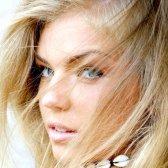 Як перефарбуватися з фарбованої брюнетки в блондинку
