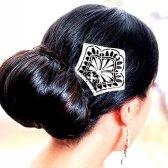 Як зробити зачіску зі шпильками