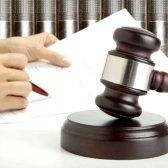 Як виписати людину через суд