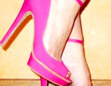 Босоніжки рожевого кольору