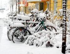 Як і в чому їздити на велосипеді взимку