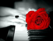 Як красиво грати на піаніно?