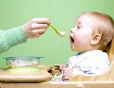Як потрібно починати прикорм дитини