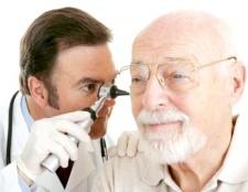 Як очистити вуха від сірчаних пробок