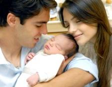 Як очистити вушні Раковини новонародженого