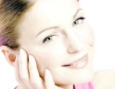 Як отшелушить шкіру обличчя