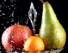 Як зробити компот з яблук або груш