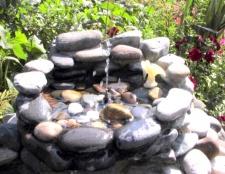 Як зробити садовий фонтан