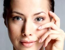 Як приховати мімічні зморшки за допомогою макіяжу
