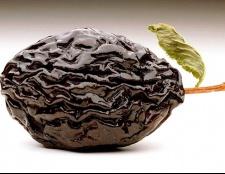 Як зварити компот з чорносливу