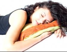 Які продукти допомагають заснути