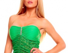 Макіяж під зелену сукню