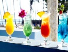 Слабоалкогольні коктейлі для спекотної погоди