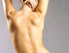 Як визначити викривлення хребта