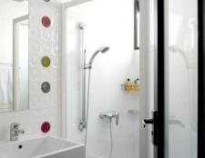 Як вибрати двері у ванну