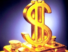 Як вигідно купити долар