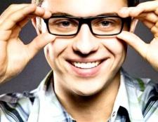 Вибираємо окуляри: скло або пластик?