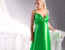 Вибираємо вечірнє плаття для вагітних