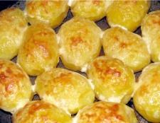 Запечена картопля в мультиварці