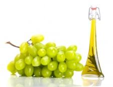 Корисні властивості виноградного масла для волосся