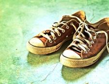 Як доглядати за взуттям