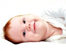 Прищики у новонародженого на обличчі