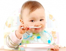 Правильне харчування дітей до року