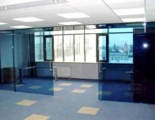 Скляні стіни в будинку - візуальне розширення простору